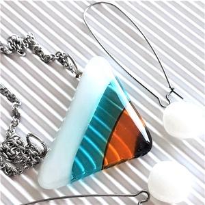 Balatoni napsütötte vitorla maxi medál és hosszú, design fülbevaló, NEMESACÉL láncon, üvegékszer szett, Ékszer, Ékszerszett, Ékszerkészítés, Üvegművészet, Meska