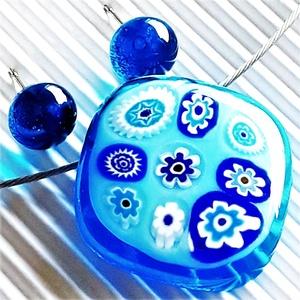 Égszínkék virágeső üveg medál és fülbevaló, NEMESACÉL/ORVOSI FÉM, millefiori, üvegékszer szett, Ékszer, Ékszerszett, Ékszerkészítés, Üvegművészet, Meska