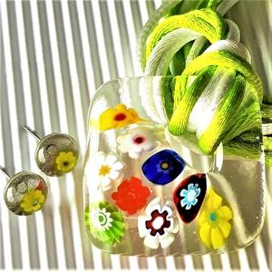 Virágzó függőkert fémmentes üveg medál sárga százszorszép fülbevalóval, nyaklánc, millefiori, virág üvegékszer, Ékszer, Ékszerszett, Ékszerkészítés, Üvegművészet, Meska