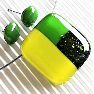 Zsendülő tavasz mozaik üveg medál és fülbevaló, NEMESACÉL/ORVOSI FÉM, minimal üvegékszer szett, Ékszer, Ékszerszett, Ékszerkészítés, Üvegművészet, Meska