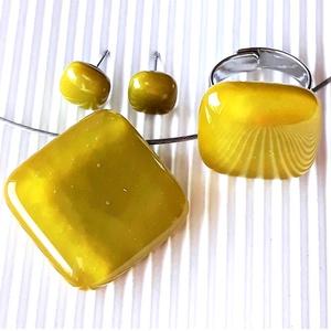 Jade sárgás-zöld üveg medál, gyűrű és fülbevaló, NEMESACÉL/ORVOSI FÉM, üvegékszer szett - Meska.hu