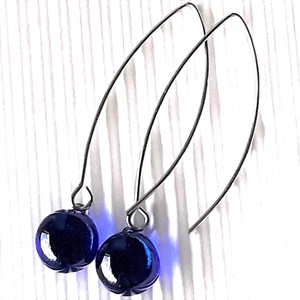 Égkék fülbevaló hosszú, design ORVOSI FÉM akasztón, üvegékszer, Ékszer, Fülbevaló, Lógós kerek fülbevaló, Ékszerkészítés, Üvegművészet, Meska