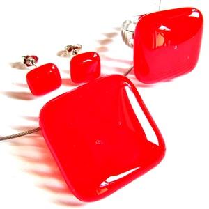 Cseresznyepiros üveg kocka medál, gyűrű és fülbevaló, NEMESACÉL/ORVOSI FÉM, üvegékszer szett, Ékszer, Ékszerszett, Ékszerkészítés, Üvegművészet, Meska