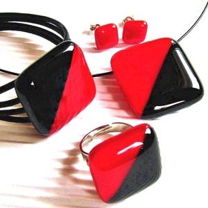 Vörös és fekete üveg medál, karkötő, gyűrű és fülbevaló, NEMESACÉL/ORVOSI FÉM, üvegékszer szett - Meska.hu
