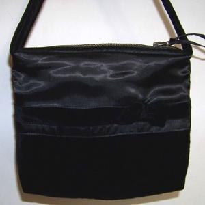 Puha fekete táska, selyemből, bársonyból, masnival (válltáska, kézitáska, pakolós), Táska & Tok, Válltáska, Kézitáska & válltáska, Különlegesen puha tapintású, kidolgozott, egyedi táska. Kézitáskaként, válltáskaként is használható,..., Meska