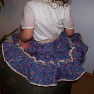 Pörgős szoknya kislányoknak, 2-3 éveseknek, kék, virágos, bevezető áron! , Ruha & Divat, Szoknya, Babaruha & Gyerekruha, Egyedi, vidám, pörgős, fodros, virágos, ez jó lesz nekem! Könnyű viselet, pólóval hétköznapra, blúzz..., Meska