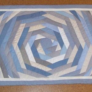 Falvédő, új, halványkék, puha és vastag, bevezető áron! Farmer patchwork, 200 x 74 cm   (csillagvirag3) - Meska.hu