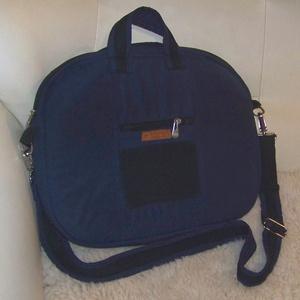 Laptop táska, válltáska, crosstáska, kézitáska, aktatáska, Laptoptáska, Laptop & Tablettartó, Táska & Tok, Varrás, Laptop táska, 15.8 colos átlójú laptop számára\nHordható kézben, válltáskaként, vállon keresztbe vetv..., Meska