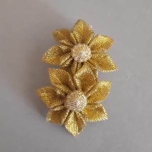 Arany színű krokodil csat, Ruha & Divat, Hajdísz & Hajcsat, Hajcsat & Hajtű, Mindenmás, Arany színű szalagból készítettem virágot, melynek közepén ugyanazzal az anyaggal bevont virággyöngy..., Meska