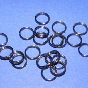 Szerelőkarika (1005/A minta/20 db) - 7x0,7 mm, Gyöngy, ékszerkellék, Ékszerkészítés,  Szerelőkarika (1005/A minta) - dupla  - fekete színben  Mérete: 7x0,7 mm Az ár 20 db termékre von..., Alkotók boltja