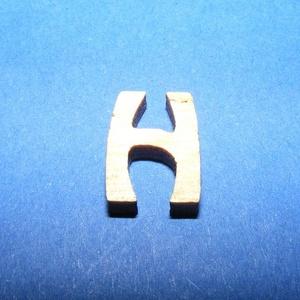 Rusztikus fa betű (20x15 mm) - H, Fa, Famegmunkálás, Egyéb fa, \nRusztikus fa betű - H\n\r\n\r\n\nMérete: 20x15 mmAnyaga: rétegelt lemezAnyagvastagság: 3 mm\nAz ár egy ter..., Meska