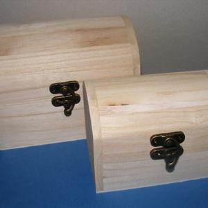 Íves faládikó (12x8,5 cm/1 db) - kicsi, Fa,  Íves faládikó   A dobozok mérete: 12x8,5x8,5 cm  Anyaga: natúr fa, nem pácolt, nem kezelt  Az ár 1 ..., Meska