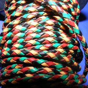 Fonott bőrszíj - 2,5 mm (19. minta/0,5 m) - vegyes színű, Vegyes alapanyag, Egyéb alapanyag, Bőrművesség, \nFonott bőrszíj (19. minta) - vegyes színű (piros/sárga/zöld/fekete)Valódi bőr alapanyagból készült ..., Meska