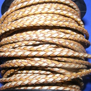 Fonott bőrszíj - 2,5 mm (21. minta/0,5 m) - arany/ezüst, Vegyes alapanyag, Egyéb alapanyag,  Fonott bőrszíj (21. minta) - ezüst/aranyValódi bőr alapanyagból készült fonott, hengeres szíj.Átmér..., Meska