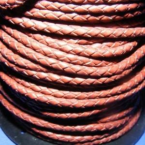 Fonott bőrszíj - 2,5 mm (9. minta/0,5 m) - saddle barna, Vegyes alapanyag, Egyéb alapanyag,  Fonott bőrszíj (9. minta) - saddle barnaValódi bőr alapanyagból készült fonott, hengeres szíj.Átmér..., Meska