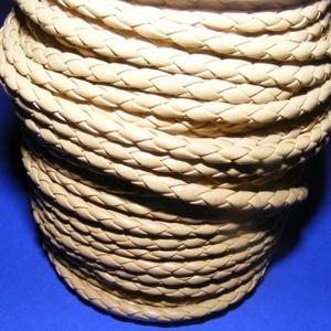 Fonott bőrszíj - 4 mm (2. minta - MŰBŐR/1 m) - világosbarna, Vegyes alapanyag, Egyéb alapanyag,  Fonott bőrszíj (2. minta) - műbőr - világosbarna  Műbőr alapanyagból készült fonott, hengeres szíj...., Meska