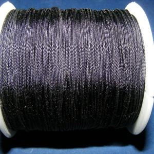 Szatén zsinór - 0,8 mm (ZS130/A minta/1 m) - fekete, Gyöngy, ékszerkellék, Ékszerkészítés,  Szatén zsinór (ZS130/A minta) - fekete  Kiválóan alkalmas fonási technikákhoz, nyakbavalók felfügg..., Alkotók boltja