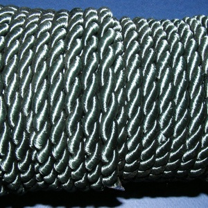 Sodrott zsinór - 8 mm (ZS71S/1 m) - zöld, Gyöngy, ékszerkellék,  Sodrott zsinór (ZS71S) - zöld  Színes nylon sodrott zsinórAjánlott karkötők, nyakláncok készítéséhe..., Meska