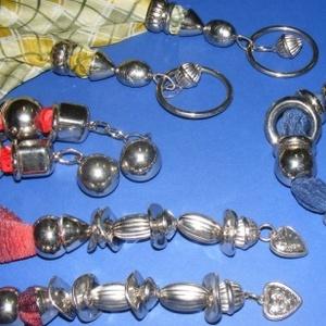 Felületkezelt műanyag köztes-64 (díszes kis gömb/1 db) - gyöngy, ékszerkellék - Meska.hu
