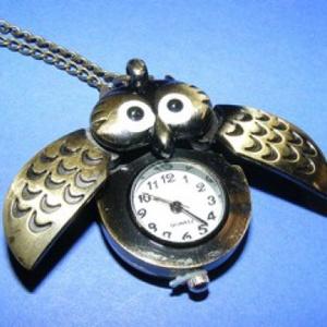 Ékszeróra (szárnyas bagoly) - láncos, Órakészítés, Mindenmás, \nÉkszeróra - szárnyas bagoly - láncos - antik bronz színben\n\nAz óra nyitható fedelű (a bagoly két sz..., Meska