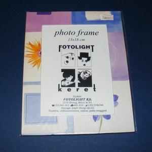 Papír fotókeret-9 (13x18 cm/1 db) - üveglappal, Vegyes alapanyag,  Papír fotókeret-9 - üveglappal - 13x18 cm-es képhez - lila virágos  Mérete: 18x23 cmKeretvastagság:..., Meska
