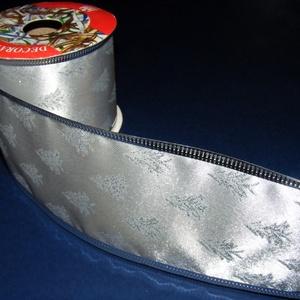 Szalag (85. minta/1 m) - ezüst fenyőfák, Textil, Varrás, \nDekorszalag (85. minta) - ezüst fenyőfák - ezüst szegéllyel - dróttal\n\nA szalag sűrű, fényes, vászo..., Meska