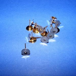 Fülbevaló alap (260/A minta/2 db) - 4 mm, Gyöngy, ékszerkellék, Ékszerkészítés, \nFülbevaló alap (260/A minta) - stiftes - arany színben\n\nMérete: 4 mm; a tüske mérete: 10 mm\r\nRendel..., Meska