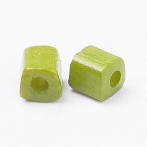 Szögletes gyöngy (6. minta/15 g) - fényes világoszöld (csimbo) - Meska.hu