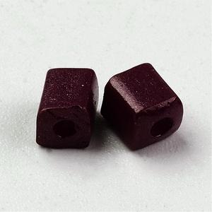 Szögletes gyöngy (29. minta/15 g) - extra sötétlila (csimbo) - Meska.hu