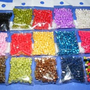 Szögletes gyöngy (31. minta/15 g) - gyöngyház sötétzöld - gyöngy, ékszerkellék - Meska.hu