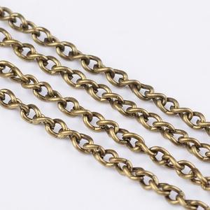 Bronz színű lánc (51/A minta/1 m) - 3x2x0,5 mm, Gyöngy, ékszerkellék,  Bronz színű lánc (51/A minta)  Mérete: 3x2x0,5 mm  A feltüntetett ár 1 méter láncra vonatkozik.  ..., Meska