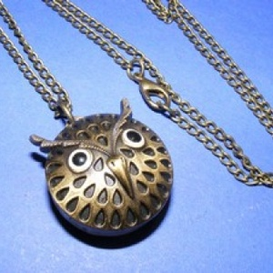 Ékszeróra (bagoly) - láncos, Órakészítés, Mindenmás, \nÉkszeróra - bagoly - láncos - antik bronz színben\n\nAz óra nyitható fedelű, üzemképes, elemmel ellát..., Meska