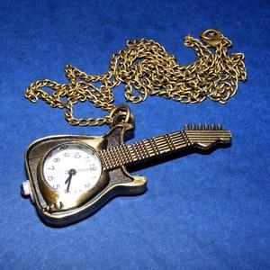 Ékszeróra (gitár) - láncos, Órakészítés, Mindenmás, \nÉkszeróra - gitár - láncos - antik bronz színben\n\nAz óra üzemképes, elemmel ellátott.\n\nMérete: 56x2..., Meska
