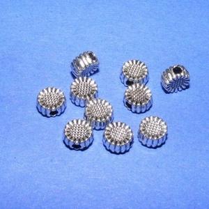 Köztes (607. minta/1 db) - margaréta, Gyöngy, ékszerkellék, Ékszerkészítés, \nEzüst színű köztes (607. minta) - margaréta\n\nMérete: 5,5x3 mm\r\nAz ár 1 db termékre vonatkozik.\n\r\n..., Meska