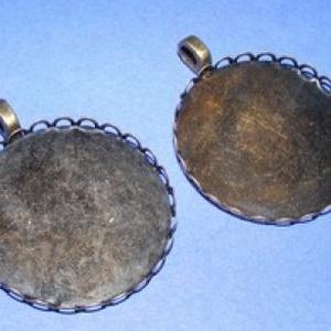 Medál alap (118/A minta/1 db), Gyöngy, ékszerkellék, Ékszerkészítés, \nMedál alap (118/A minta) - kerek - antik bronz színben\n\nA belső mérete: 30 mm \r\nA medálba a terméke..., Meska