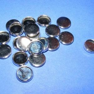 Medál alap (136. minta/1 db), Gyöngy, ékszerkellék,  Ékszer alap(136. minta) - kerek - ezüst színben  Mérete: 12 mm; belső mérete: 10 mm  Az ár eg..., Meska