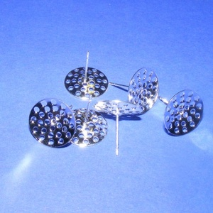 Fülbevaló alap (276. minta/2 db), Gyöngy, ékszerkellék,  Fülbevaló alap (276. minta) - lyukacsos - varrható, fűzhető - ezüst színben  Mérete: tárcsa 13,7 mm..., Meska