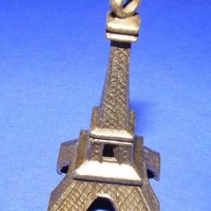 Medál (534. minta/1 db) - Eiffel-torony - gyöngy, ékszerkellék - Meska.hu