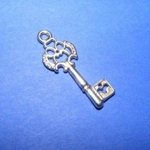 Medál (594. minta/1 db) - kulcs (csimbo) - Meska.hu
