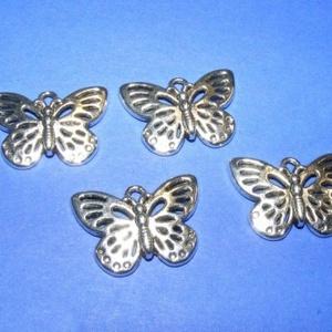 Medál (598. minta/1 db) - pillangó (csimbo) - Meska.hu