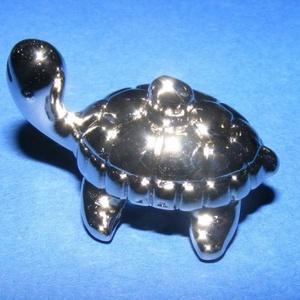 Felületkezelt műanyag medál-68 (teknős/1 db) (csimbo) - Meska.hu