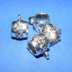 Medálvezető (362. minta/1 db), Gyöngy, ékszerkellék,  Medálvezető (362. minta) - ezüst színben  Mérete: 15x11 mmA furat mérete: 10 mm  Az ár egy darab me..., Meska
