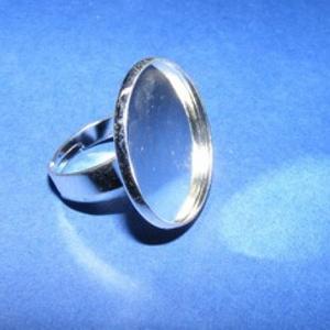 Gyűrű alap (3. minta/1 db), Gyöngy, ékszerkellék,  Gyűrű alap (3. minta) - ezüst színben  Mérete: 17 mm (karika); 25 mm(fej); a belső méret: 22,5-23 m..., Meska