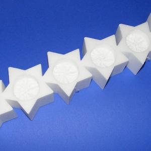 Hungarocell mécsestartó (6 részes/1 db) - csillag, Hungarocell, Díszíthető tárgyak, Mindenmás, \nHungarocell mécsestartó - 6 részes - csillag\n\nMérete: 45x9x6 cm (a mécses kivágás: 4,5 cm)\n\nAz ár e..., Meska