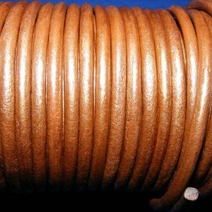 Hasított bőrszíj - 5 mm (4. minta/1 m) - óarany (metál), Egyéb alapanyag, Vegyes alapanyag, Bőrművesség, \nHasított bőrszíj (4. minta) - óarany (metál)Mérete: 5 mm átmérőjűValódi hasított marhabőrből készül..., Meska
