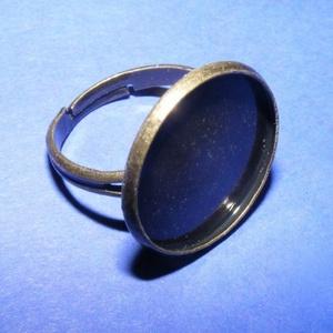 Gyűrű alap (47. minta/1 db), Gyöngy, ékszerkellék,  Gyűrű alap (47. minta) - ragasztható - antik bronz színben  A karika átmérő: 17 mm A tárcsa átmérő..., Meska