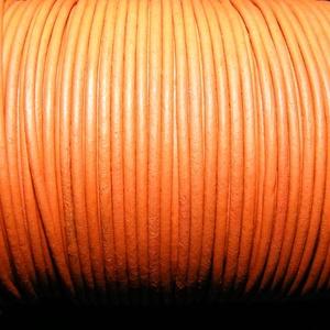 Hasított bőrszíj - 2 mm (20. minta/1 m) -  rozsdanarancs, Egyéb alapanyag, Vegyes alapanyag, Bőrművesség, \nHasított bőrszíj (20. minta) - tekercses - rozsdanarancs\n\nMérete: 2 mm átmérőjű\r\nValódi hasított ma..., Meska
