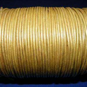Hasított bőrszíj - 2 mm (15. minta/1 m) - arany (metál), Egyéb alapanyag, Vegyes alapanyag, Bőrművesség, \nHasított bőrszíj (15. minta) - tekercses - arany (metál)\n\nMérete: 2 mm átmérőjű\r\nValódi hasított ma..., Meska