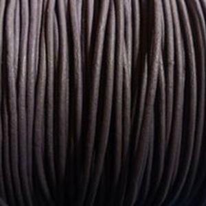 Hasított bőrszíj - 1,5 mm (14. minta/1 m) - sötétlila, Egyéb alapanyag, Vegyes alapanyag, Bőrművesség, \nHasított bőrszíj (14. minta) - sötétlila\n\nMérete: 1,5 mm átmérőjű\n\nValódi hasított marhabőrből kész..., Meska