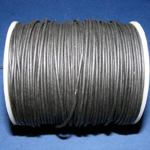 Hasított bőrszíj - 1,5 mm (1. minta/1 m) - fekete, Egyéb alapanyag, Vegyes alapanyag, Bőrművesség, \nHasított bőrszíj (1. minta) - fekete\n\nMérete: 1,5 mm átmérőjű\n\nValódi hasított marhabőrből készült...., Meska